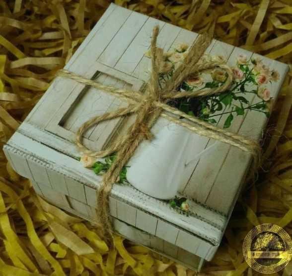 Подарочная коробочка с молодым Шу Пуэром